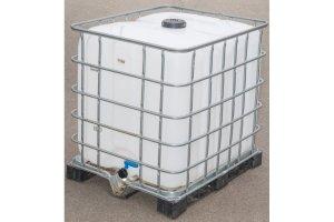 Velkokapacitní plastový IBC kontejner na vodu, 1000L